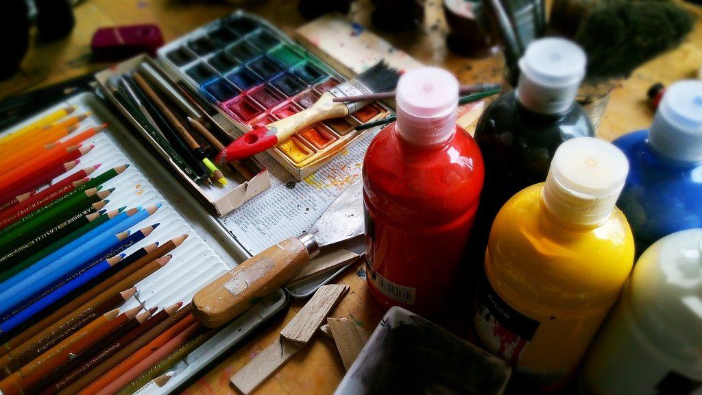 farby z naturalnych materiałów